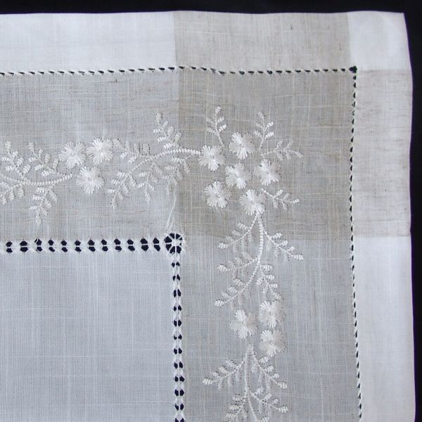 Tischdecke Tischwäsche Blumen Stickerei & Hohlsaum weiß / beige 130x225 cm